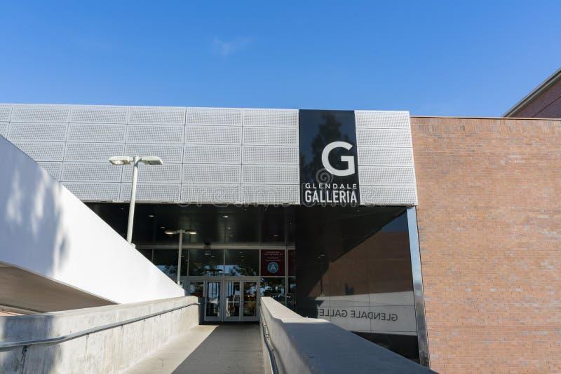 Εξωτερική άποψη της εισόδου λεωφόρων αγορών Glendale Galleria στοκ φωτογραφία με δικαίωμα ελεύθερης χρήσης