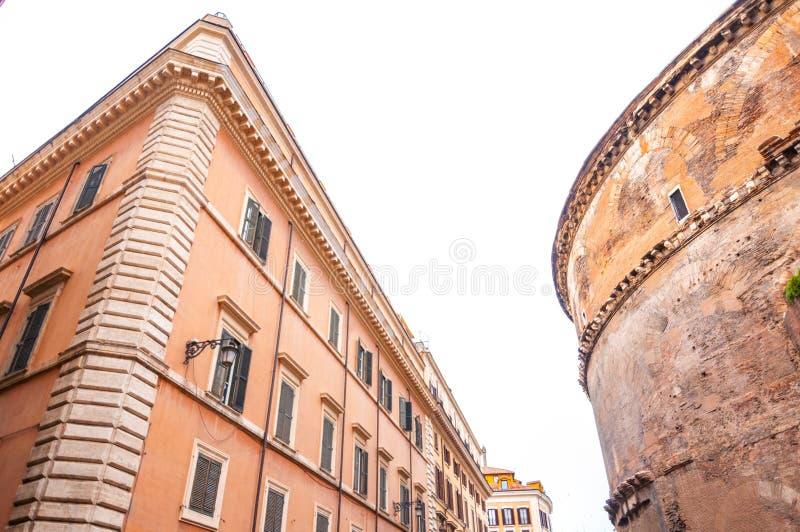 Εξωτερική άποψη του ιστορικού Pantheon στη Ρώμη, Ιταλία στοκ εικόνα με δικαίωμα ελεύθερης χρήσης