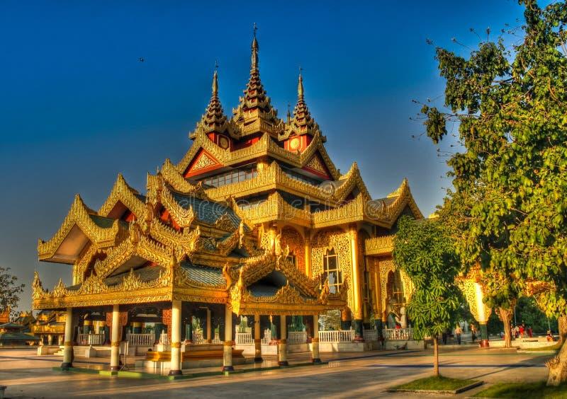 Εξωτερική άποψη του ναού Chaukhtatgyi Βούδας, Yangon το Μιανμάρ στοκ φωτογραφίες με δικαίωμα ελεύθερης χρήσης