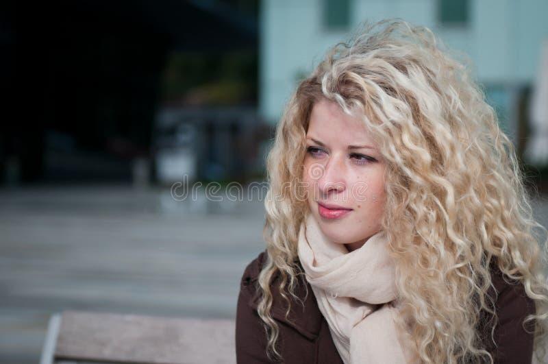 εξωτερική γυναίκα πορτρέ&tau στοκ φωτογραφίες