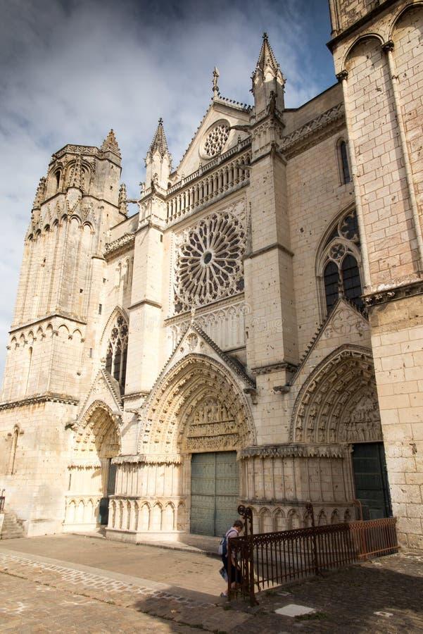 Εξωτερικό της εκκλησίας του ST Pierre στο Poitiers στοκ εικόνες με δικαίωμα ελεύθερης χρήσης