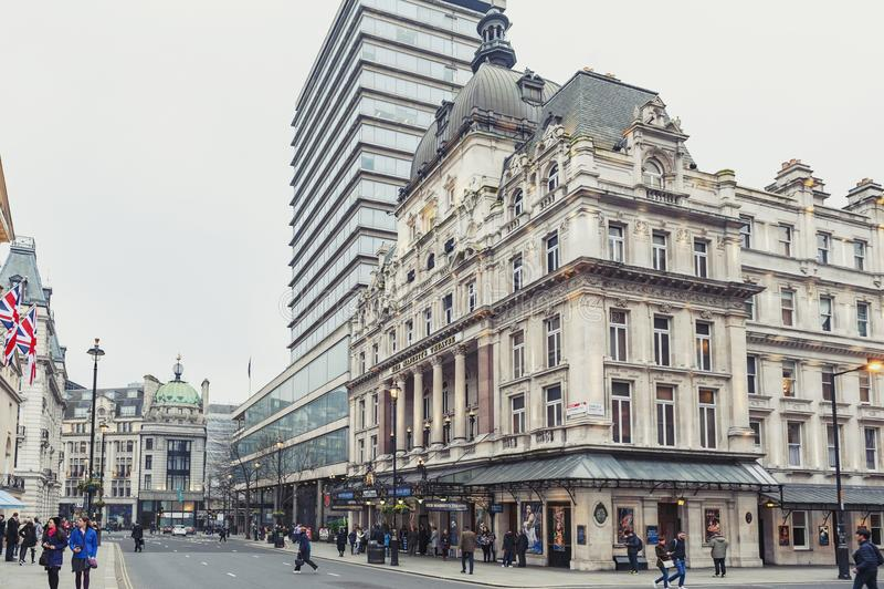 Εξωτερικό του θεάτρου μεγαλειότητάς της ` s, ένα θέατρο West End που τοποθετείται σε Haymarket στην πόλη του Γουέστμινστερ στοκ φωτογραφίες