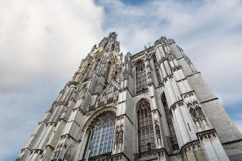 Εξωτερικό του καθεδρικού ναού της κυρίας μας στην Αμβέρσα στοκ εικόνα με δικαίωμα ελεύθερης χρήσης