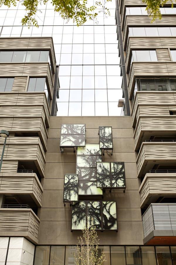 Εξωτερικό του σύγχρονου κτηρίου στο στο κέντρο της πόλης Ντένβερ, Κολοράντο στοκ εικόνες