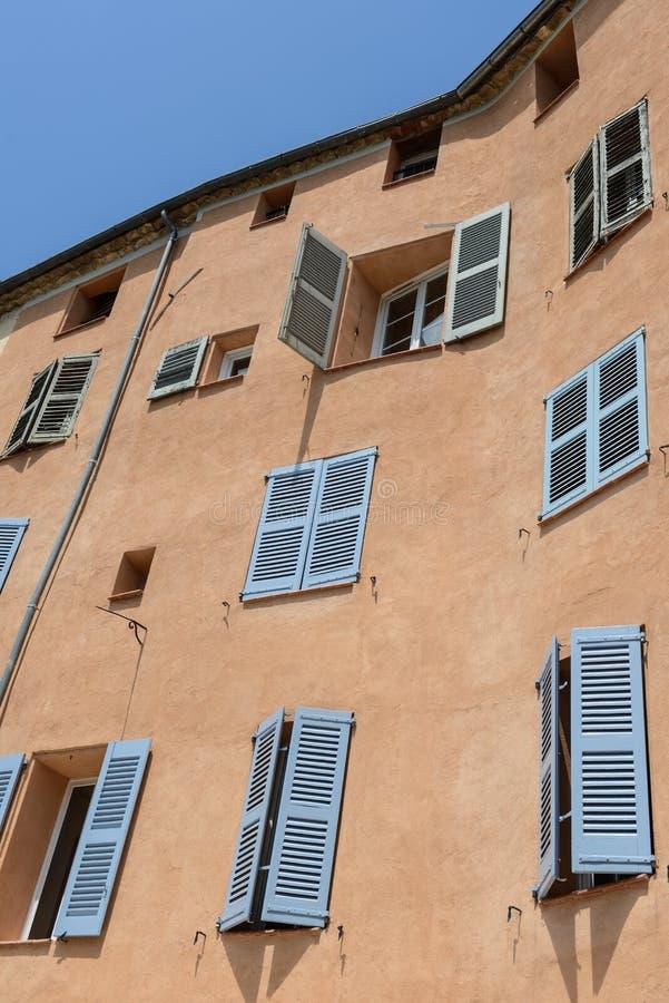 Εξωτερικό των γαλλικών σπιτιών στοκ εικόνες