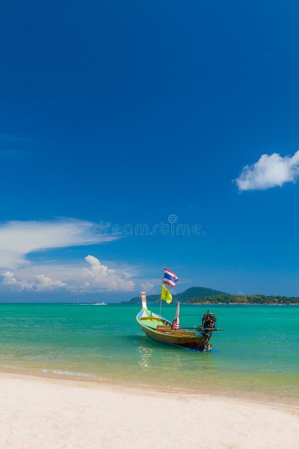 Εξωτικός κόλπος Rawai στο νησί Ταϊλάνδη Phuket στοκ φωτογραφίες με δικαίωμα ελεύθερης χρήσης