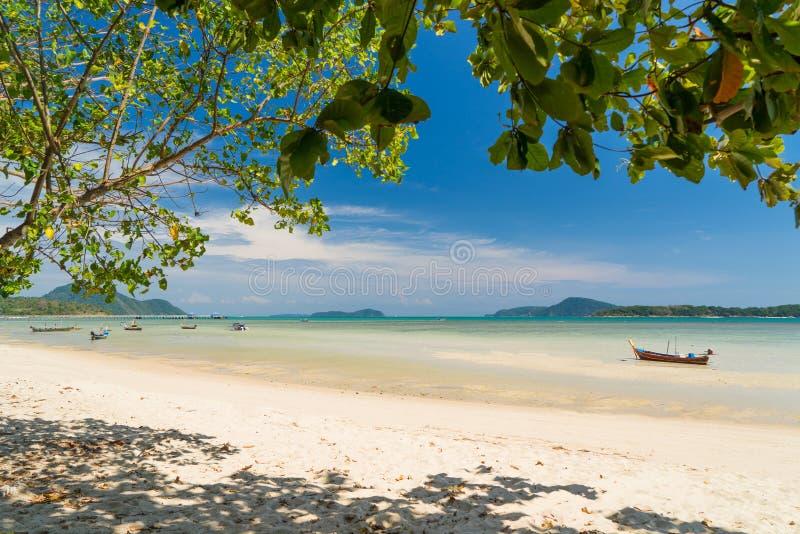 Εξωτικός κόλπος Rawai στο νησί Phuket στοκ φωτογραφία με δικαίωμα ελεύθερης χρήσης