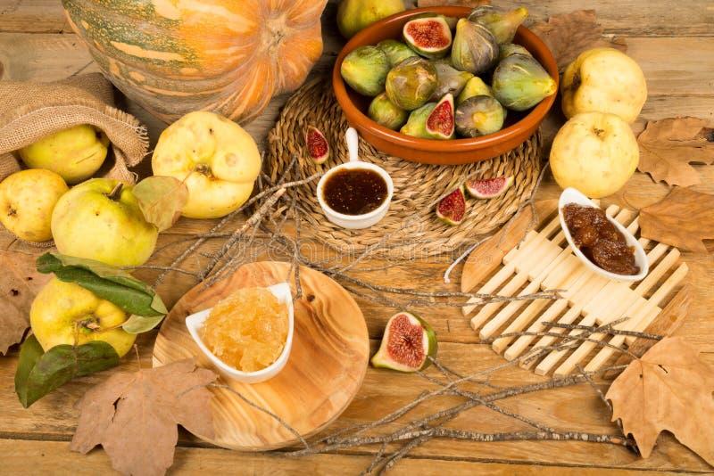 εξωτικό πορτοκάλι μετρητών καρπού τροφίμων σιτηρεσίου μπανανών εποχιακό στοκ εικόνα με δικαίωμα ελεύθερης χρήσης