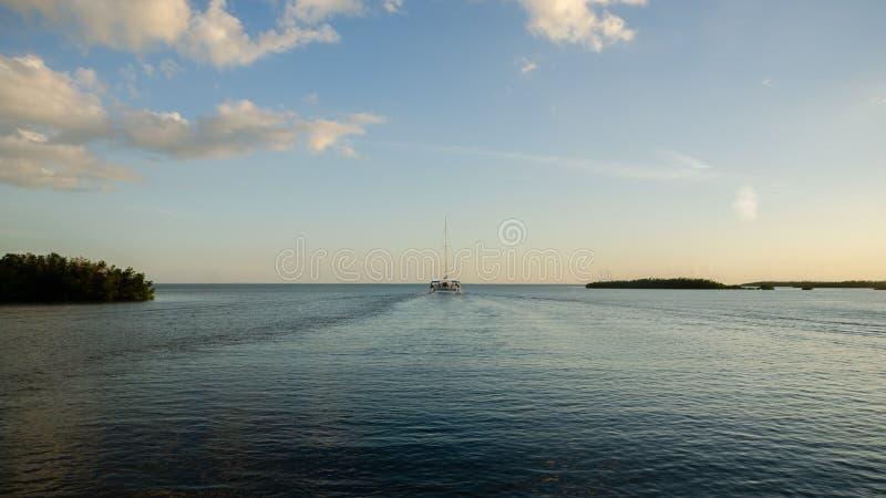 Εξόρμηση ναυσιπλοΐας καταμαράν σε Varadero, Κούβα στοκ εικόνα με δικαίωμα ελεύθερης χρήσης
