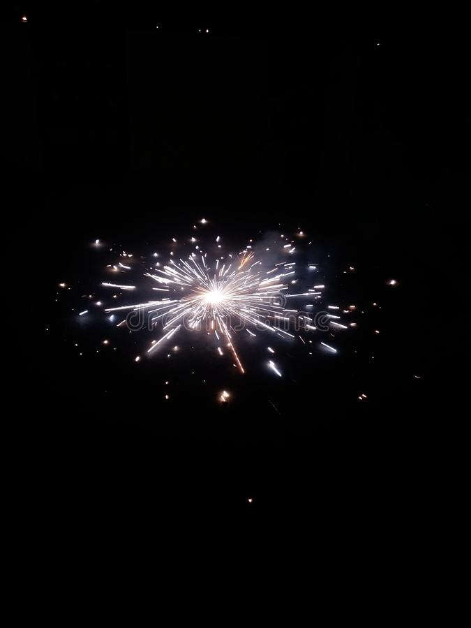 Εορτασμοί Diwali και πυροτεχνήματα με επιλεκτική εστίαση στοκ εικόνες