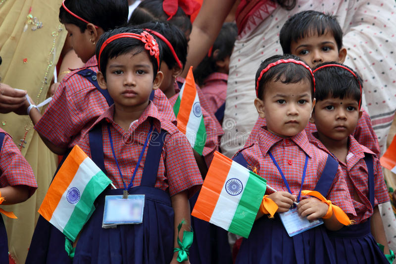 Εορτασμός σχολικής ημέρας της ανεξαρτησίας από τα παιδιά στοκ φωτογραφία με δικαίωμα ελεύθερης χρήσης