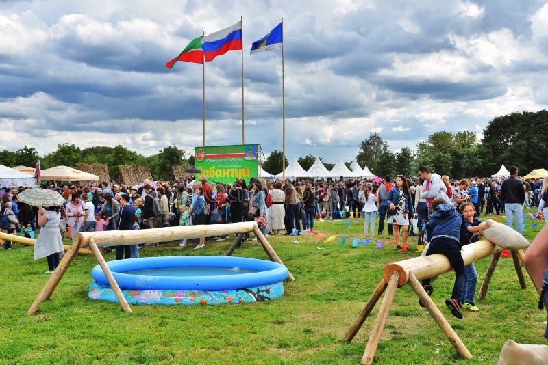 Εορτασμός Sabantui στη Μόσχα Μια μάχη των σάκων στοκ φωτογραφίες με δικαίωμα ελεύθερης χρήσης