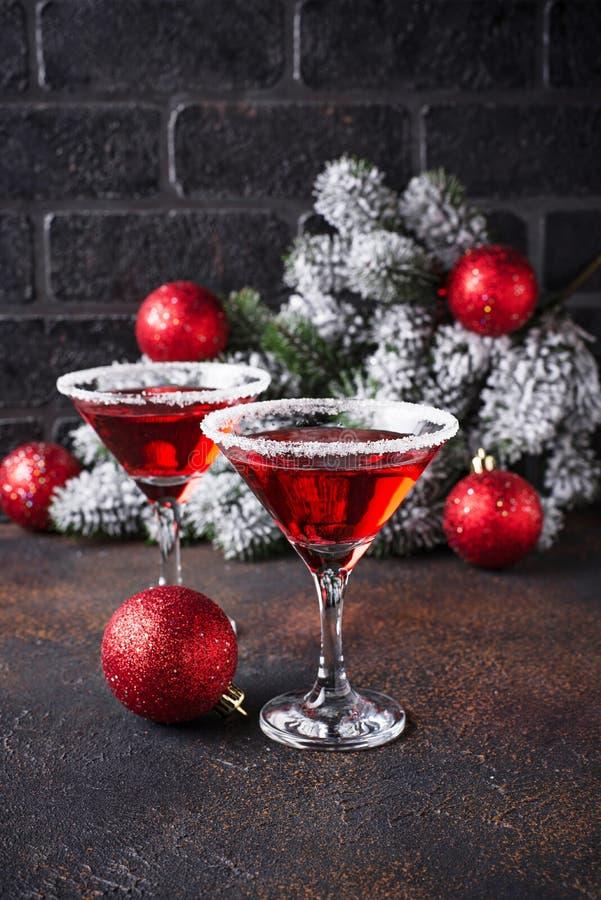 Εορταστικό κοκτέιλ κόκκινο martini Χριστουγέννων στοκ φωτογραφίες με δικαίωμα ελεύθερης χρήσης
