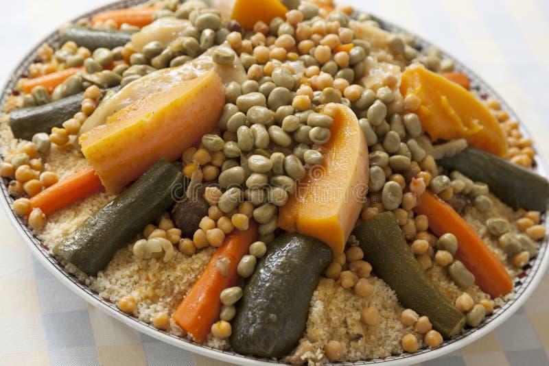 Εορταστικό μαροκινό κουσκούς στοκ εικόνες