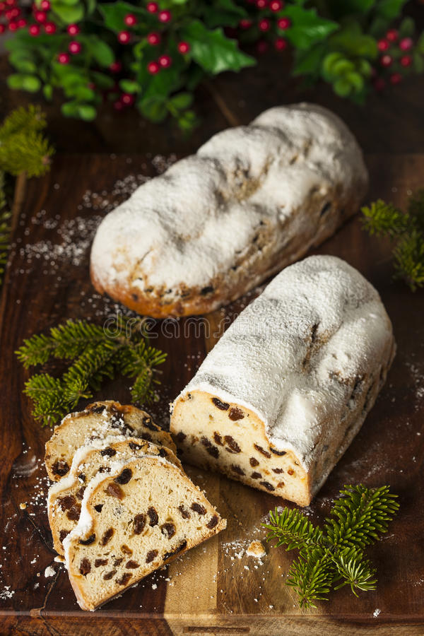 Εορταστικό ψωμί Stollen Χριστουγέννων γερμανικό στοκ εικόνες με δικαίωμα ελεύθερης χρήσης