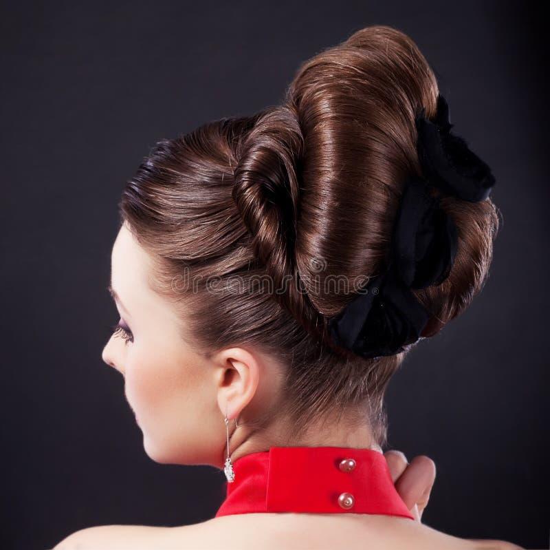 εορταστικό hairstyle κομμωτηρίων ομορφιάς στοκ εικόνες
