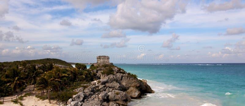επάνω από τη mayan ωκεάνια πανοραμική όψη καταστροφών στοκ εικόνες