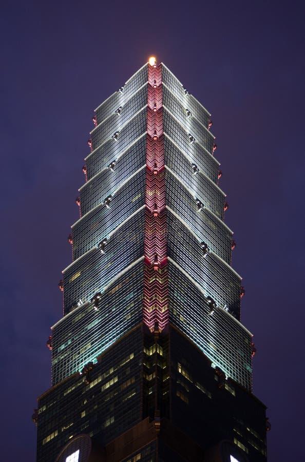 Επάνω στη Ταϊπέι 101 παγκόσμιο οικονομικό κέντρο της Ταϊπέι ένας ουρανοξύστης ορόσημων supertall στην περιοχή Xinyi, Ταϊβάν τη νύ στοκ φωτογραφίες