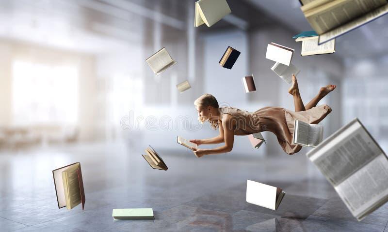 Επέκταση της φαντασίας Μικτά μέσα ελεύθερη απεικόνιση δικαιώματος