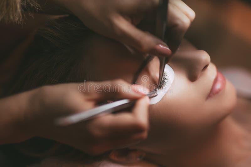 Επέκταση Eyelashes διαδικασίας στοκ φωτογραφία