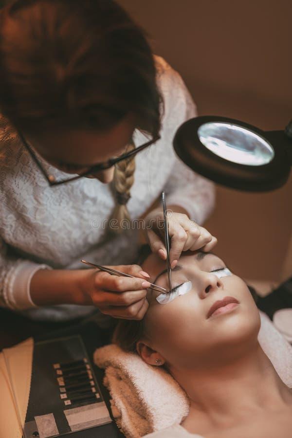 Επέκταση Eyelashes διαδικασίας στοκ εικόνες με δικαίωμα ελεύθερης χρήσης