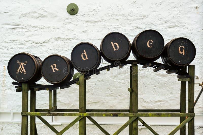 Επίδειξη βαρελιών σε Ardbeg στοκ φωτογραφία