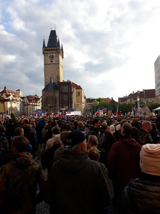 Επίδειξη στην παλαιά πλατεία Townw, Πράγα στοκ εικόνες με δικαίωμα ελεύθερης χρήσης