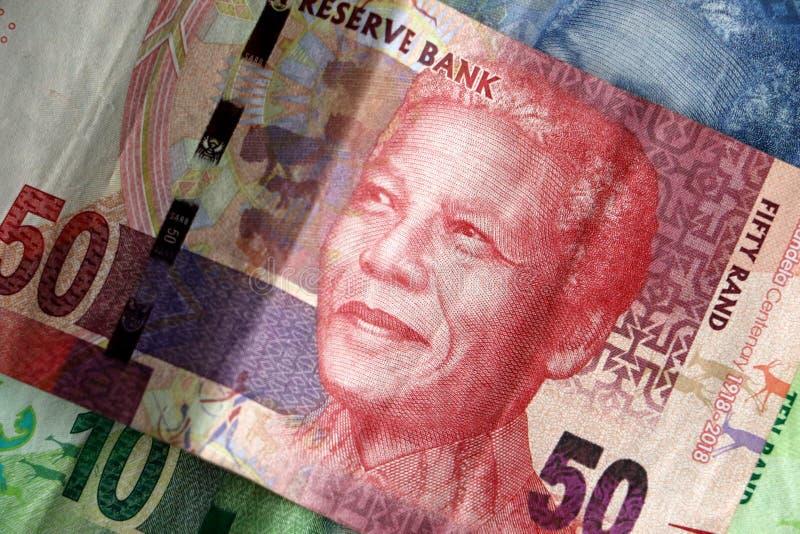 Επίδειξη των νοτιοαφρικανικών σημειώσεων ακρών χρημάτων νομίσματος στοκ εικόνες