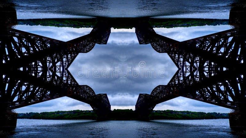 Επίδραση καθρεφτών στη γέφυρα του Κεμπέκ στοκ φωτογραφία με δικαίωμα ελεύθερης χρήσης