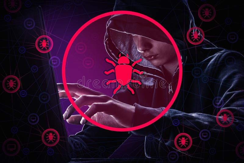 Επίθεση χάκερ, δίκτυο ιών για να κλέψει τον κωδικό πρόσβασης και να σπάσει την ασφάλεια των οικονομικών στοιχείων στοκ φωτογραφία
