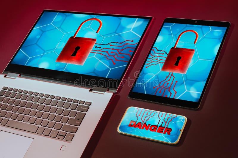 Επίθεση Cyber και ανιχνευμένη ιός έννοια στοκ εικόνες