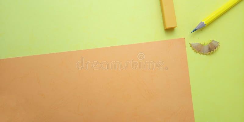 Επίπεδος βάλτε, κίτρινο και πορτοκαλί κενό πρότυπο φωτογραφιών για το σχέδιο στοιχείων υποβάθρου για το μήνυμα, απόσπασμα, τοποθέ στοκ φωτογραφία με δικαίωμα ελεύθερης χρήσης