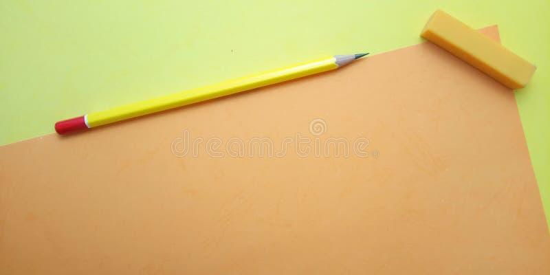 Επίπεδος βάλτε, κίτρινο και πορτοκαλί κενό πρότυπο φωτογραφιών για το σχέδιο στοιχείων υποβάθρου για το μήνυμα, απόσπασμα, τοποθέ στοκ εικόνες με δικαίωμα ελεύθερης χρήσης
