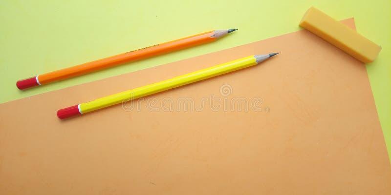 Επίπεδος βάλτε, κίτρινο και πορτοκαλί κενό πρότυπο φωτογραφιών για το σχέδιο στοιχείων υποβάθρου για το μήνυμα, απόσπασμα, τοποθέ στοκ φωτογραφίες με δικαίωμα ελεύθερης χρήσης