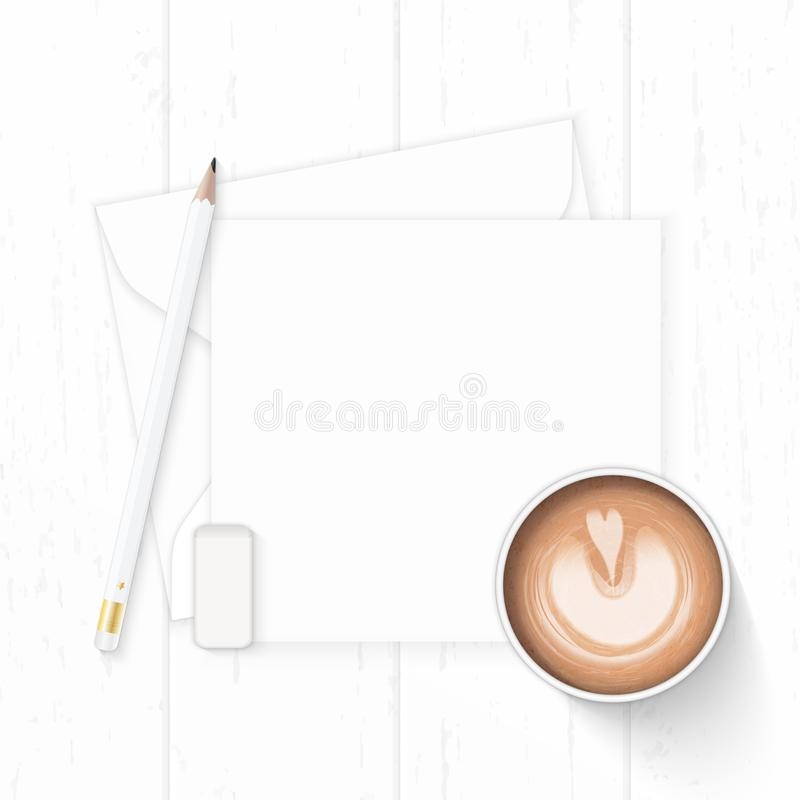 Επίπεδος βάλτε την κομψούς άσπρους γόμα και τον καφέ μολυβιών φακέλων εγγράφου επιστολών σύνθεσης τοπ άποψης στο ξύλινο υπόβαθρο στοκ εικόνες