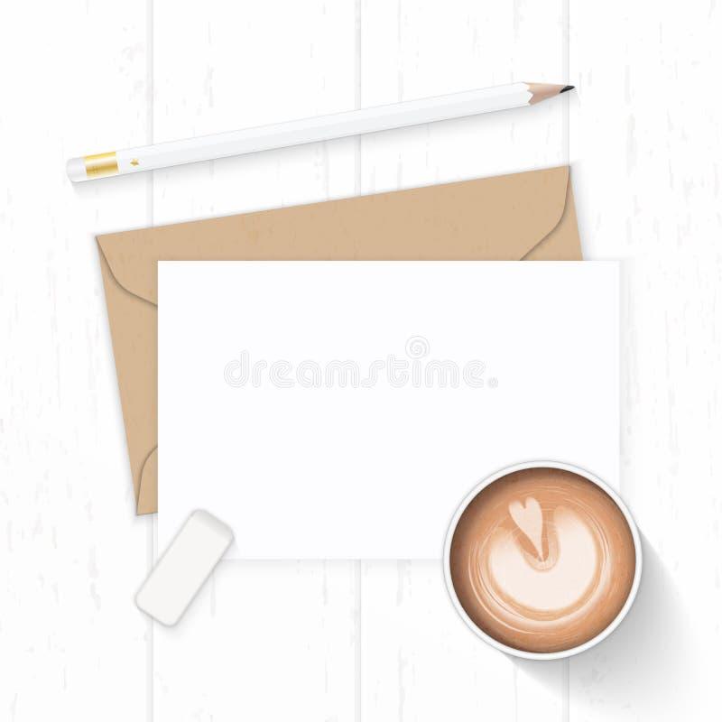 Επίπεδος βάλτε την κομψούς άσπρους γόμα και τον καφέ μολυβιών φακέλων εγγράφου του Κραφτ επιστολών σύνθεσης τοπ άποψης στο ξύλινο στοκ φωτογραφία με δικαίωμα ελεύθερης χρήσης