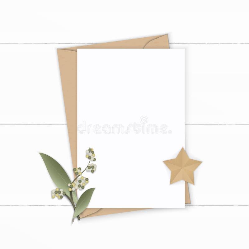 Επίπεδος βάλτε το κομψές άσπρες φύλλο λουλουδιών φακέλων εγγράφου του Κραφτ επιστολών σύνθεσης τοπ άποψης και την τέχνη μορφής ασ ελεύθερη απεικόνιση δικαιώματος