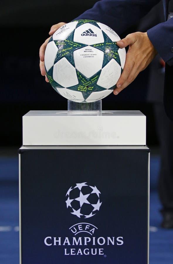 Επίσημη σφαίρα UEFA Champions League 2016/17 στοκ φωτογραφία με δικαίωμα ελεύθερης χρήσης