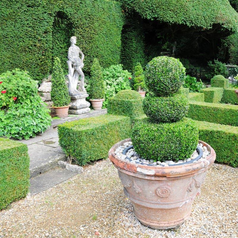 επίσημος κήπος topiary στοκ εικόνες