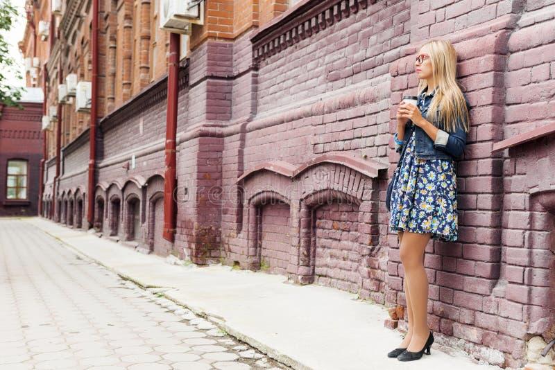 Επίσκεψη στην τουριστική πόλη στοκ εικόνα με δικαίωμα ελεύθερης χρήσης