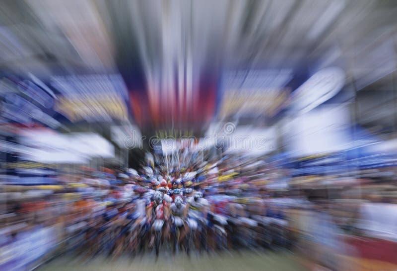 Επίδραση ζουμ Bicyclists στοκ φωτογραφίες με δικαίωμα ελεύθερης χρήσης