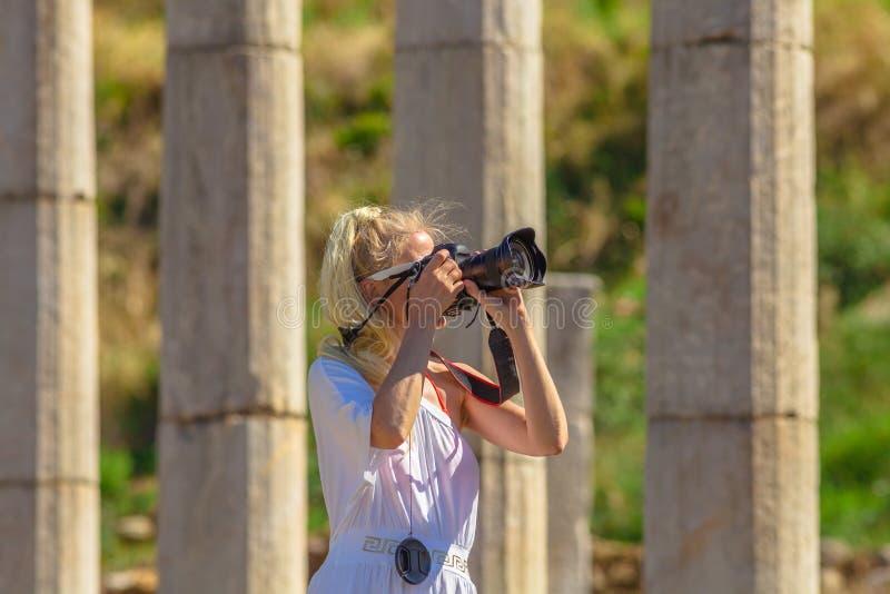 Επαγγελματικός φωτογράφος γυναικών στοκ εικόνες