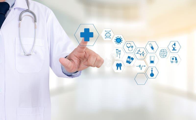 Επαγγελματικό χέρι γιατρών υγειονομικής περίθαλψης ιατρικής που λειτουργεί με τον τρόπο στοκ φωτογραφίες με δικαίωμα ελεύθερης χρήσης