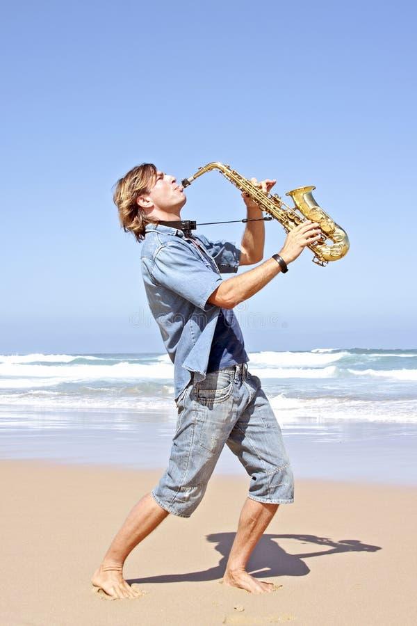 επαγγελματικό saxophone φορέων στοκ εικόνες