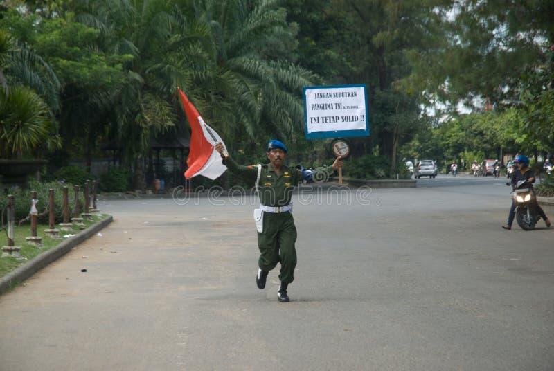 ΕΠΑΓΓΕΛΜΑΤΙΣΜΌΣ ΤΗΣ ΙΝΔΟΝΗΣΙΑΣ TNI στοκ φωτογραφία με δικαίωμα ελεύθερης χρήσης