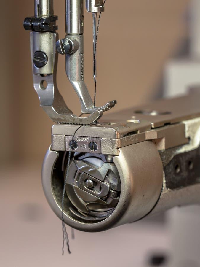 Επαγγελματική ράβοντας μηχανή στοκ φωτογραφία με δικαίωμα ελεύθερης χρήσης