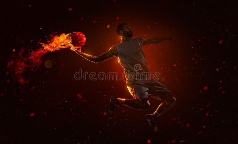 Επαγγελματικό παίχτης μπάσκετ με τη βολίδα στοκ φωτογραφίες με δικαίωμα ελεύθερης χρήσης