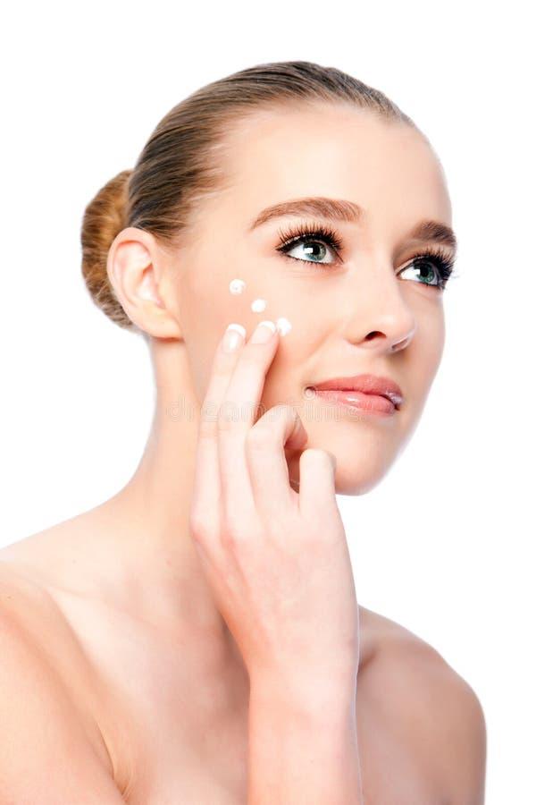 Επεξεργασία ομορφιάς ενυδάτωσης του προσώπου skincare στοκ φωτογραφία με δικαίωμα ελεύθερης χρήσης