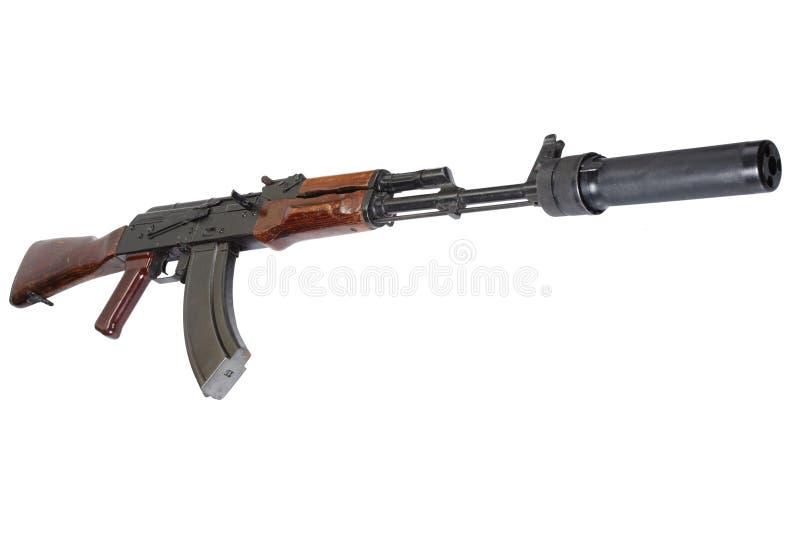 Επιθετικό τουφέκι AK 47 με τον υγιή καταπιεστή (ησυχαστήρας) στοκ φωτογραφία με δικαίωμα ελεύθερης χρήσης