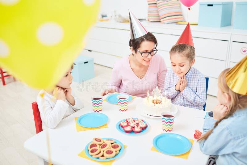 Επιθυμία για τα γενέθλια στοκ εικόνα
